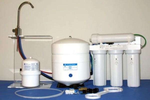 MULTI-PURE™ MP-750 PLUS RO Umkehrosmose-Anlage mit SENSEH® Energie-Keramik