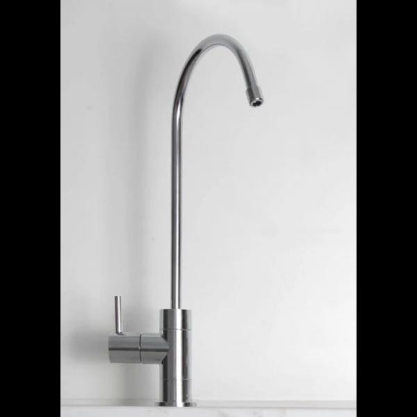 Designer Wasserhahn verchromt, inkl. Anschlussmaterial